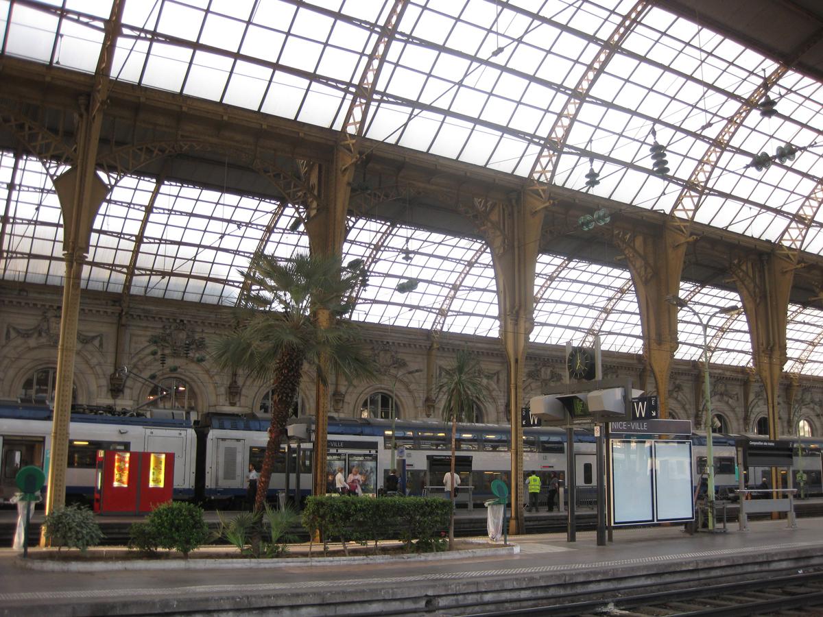 nice-train-station-2