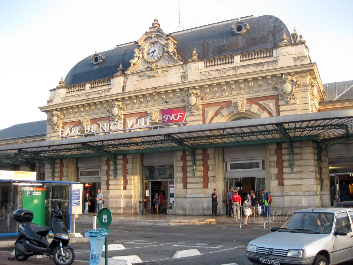 nice-train-station