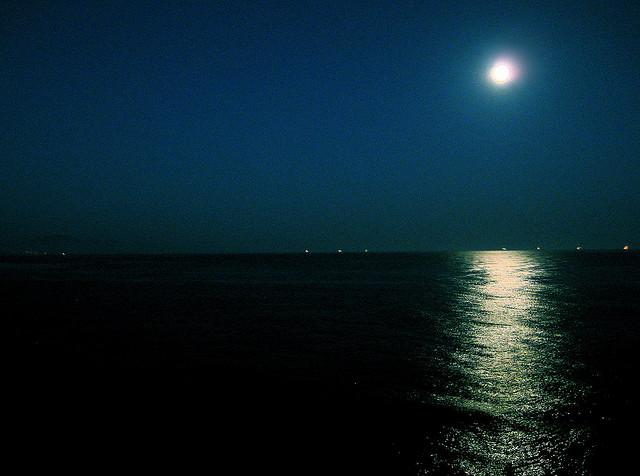 hendrys-beach-super-moon