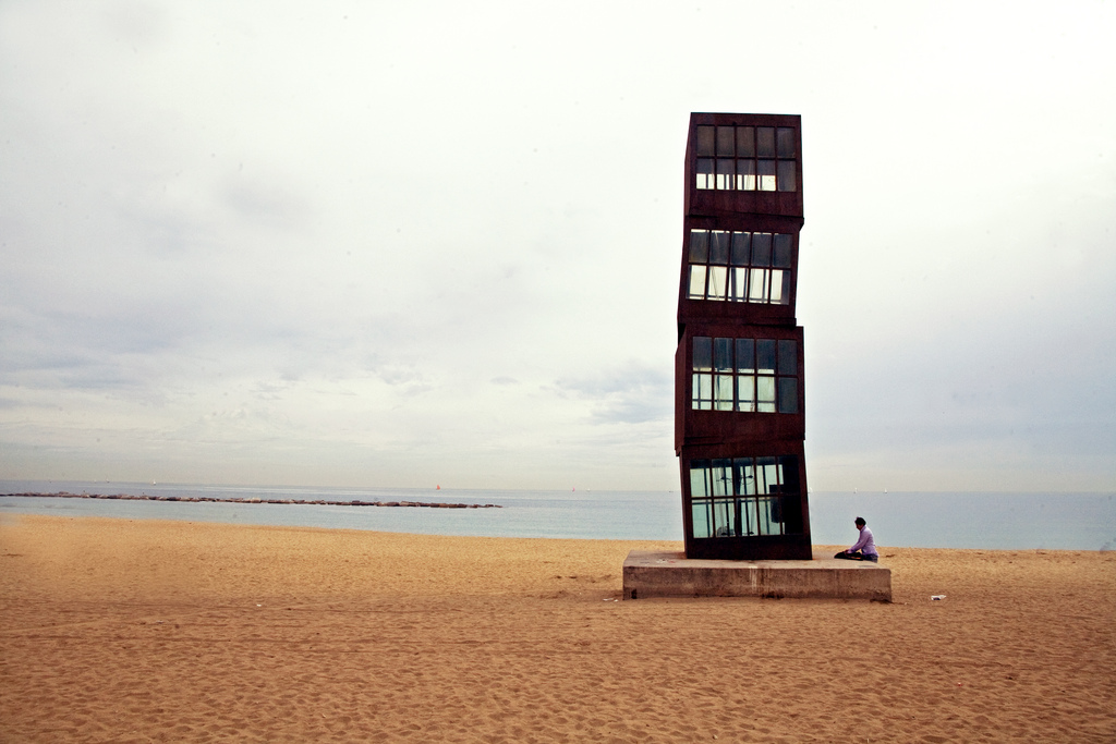 barcelona-spain-beach-art