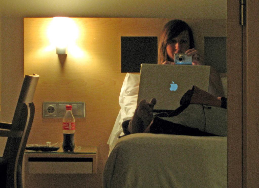 barcelona-spain-kelly-hotel