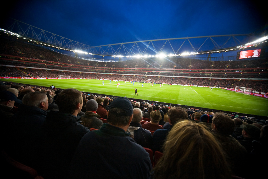 chelsea-arsenal-football-field