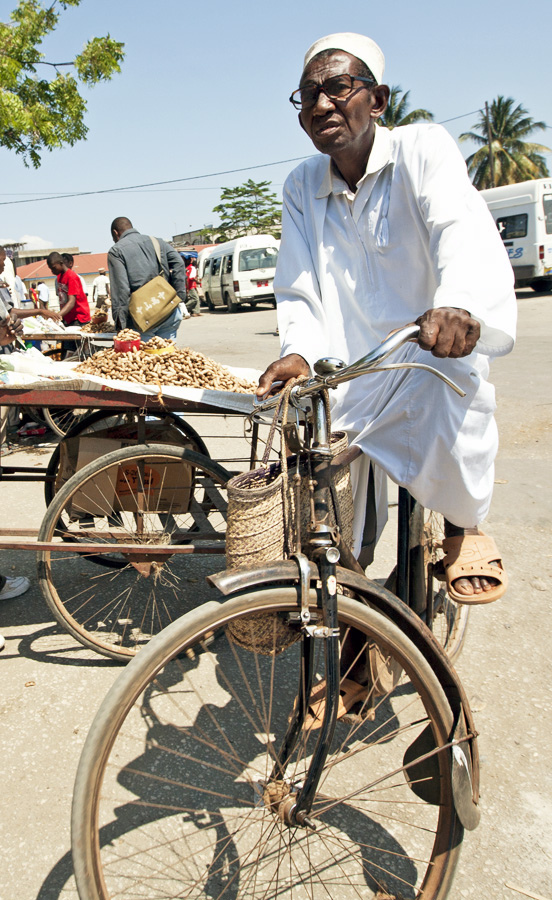 old-man-zanzibar-bicycle