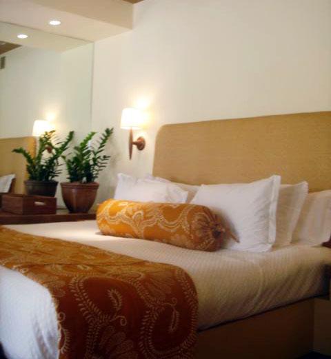 auberge-du-soleil-bedroom
