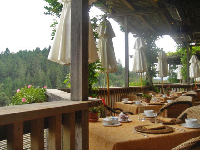 auberge-du-soleil-breakfast