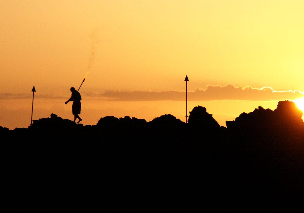 maui-hotel-torch-ceremony-sunset