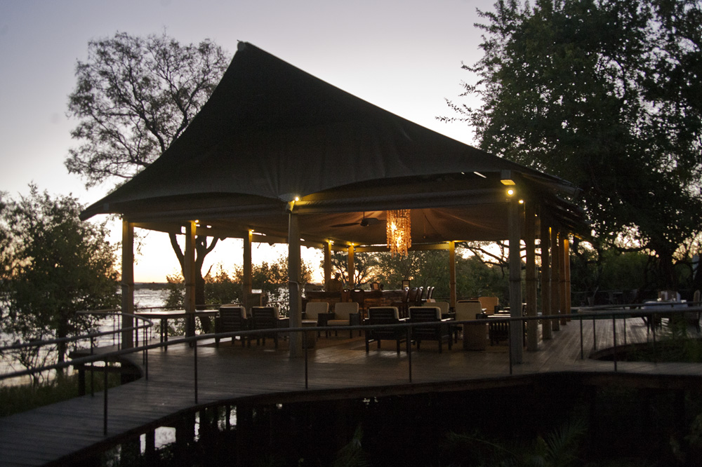 Toka Leya, Zambia - Lodge Night