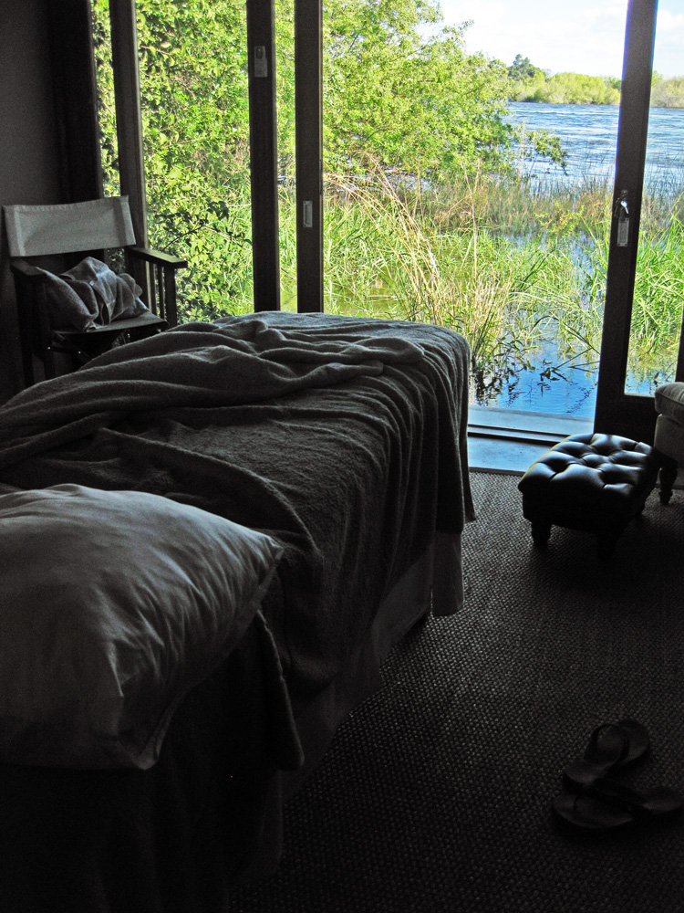 Toka Leya, Zambia - Massage on the Zambezi