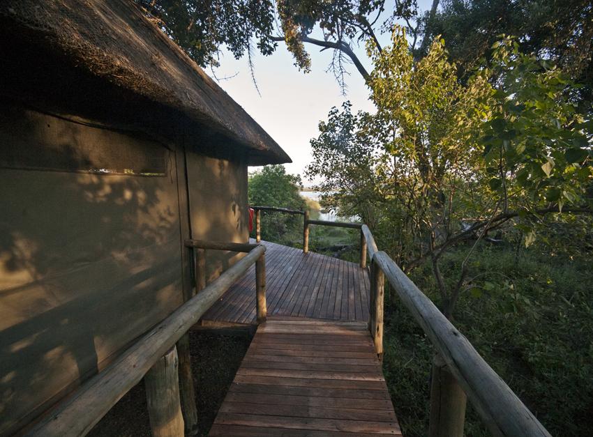Duma Tau, Botswana