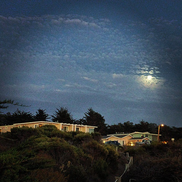 full-moon-cambria