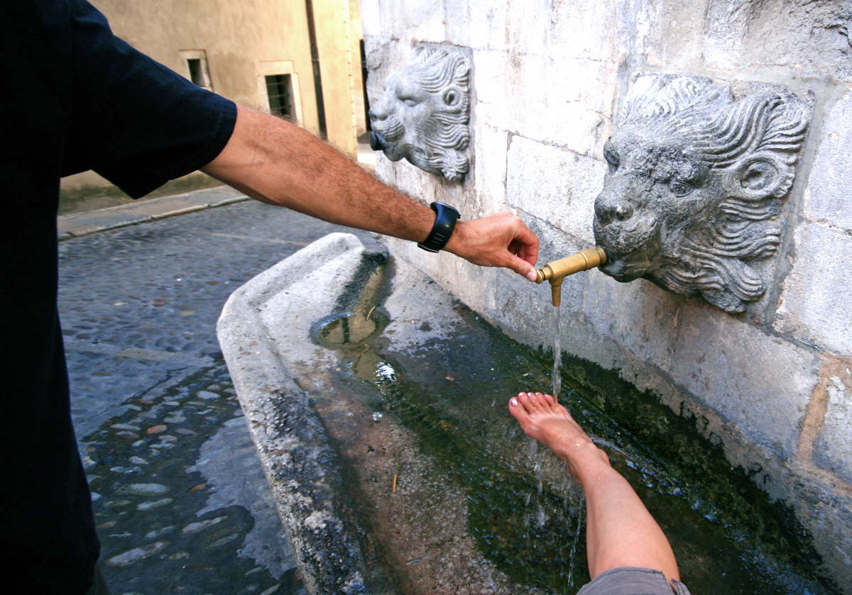 girona-foot-washing