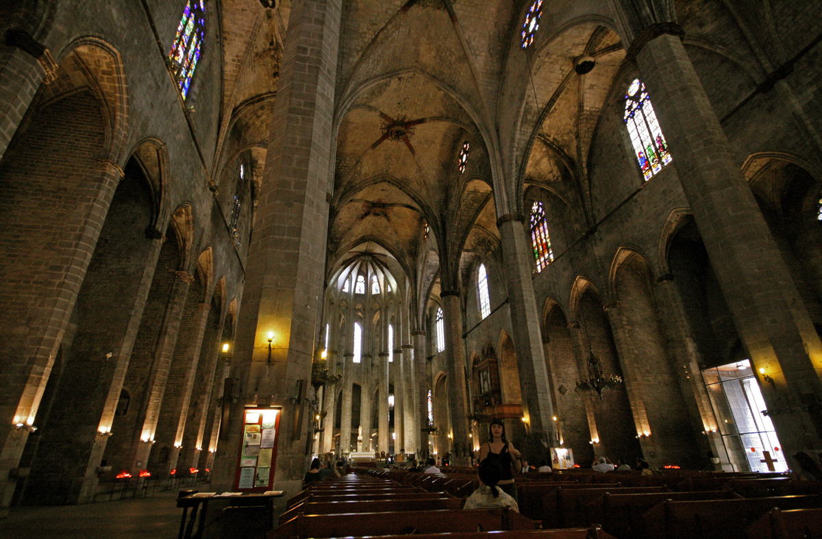 gothic-district-church-barcelona