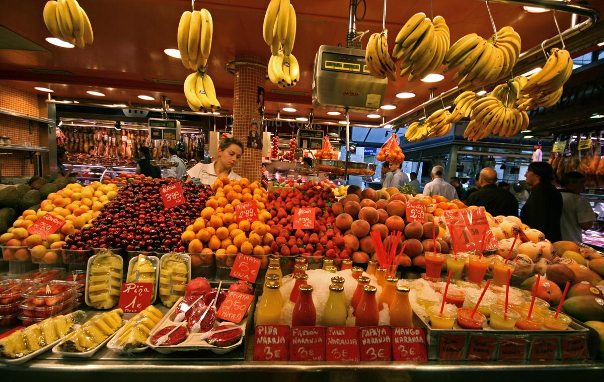 las-ramblas-fruit-stand