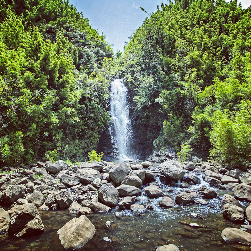 waterfall-hike-maui