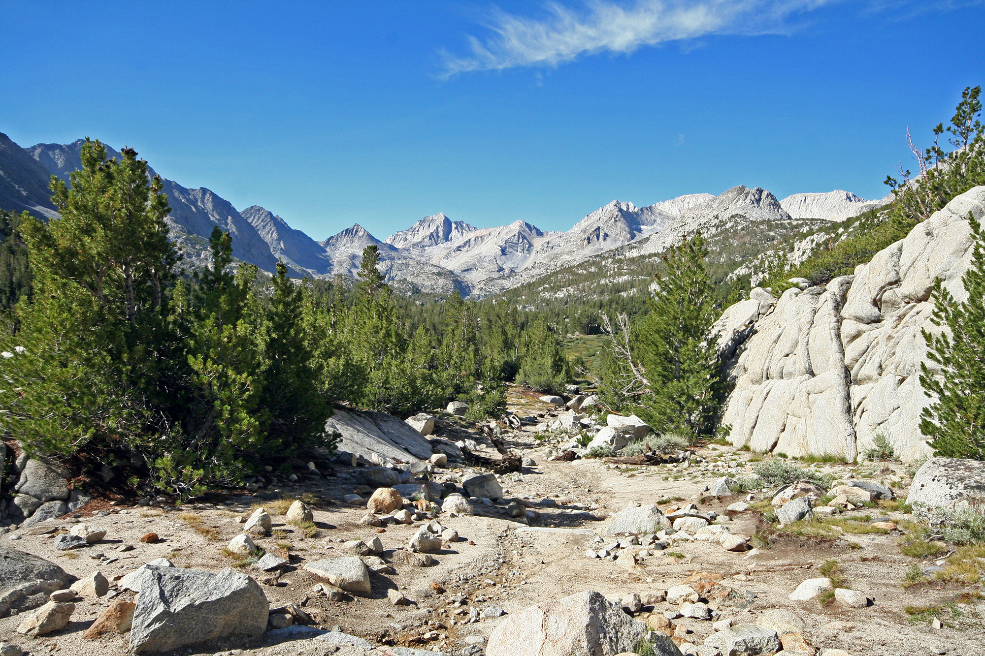 little-lakes-valley-trail-toms-place-ca