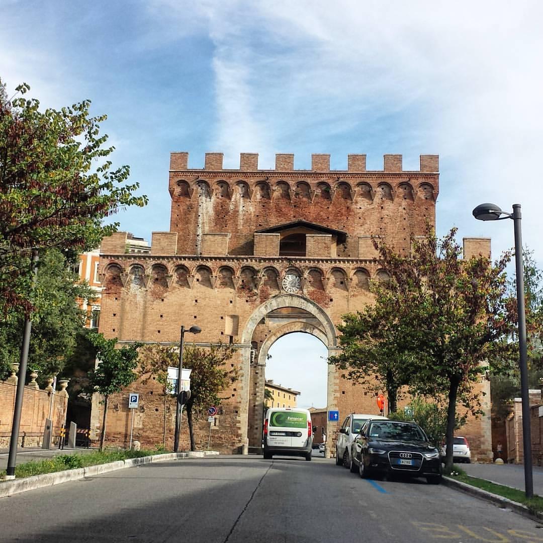Siena-italy-gate