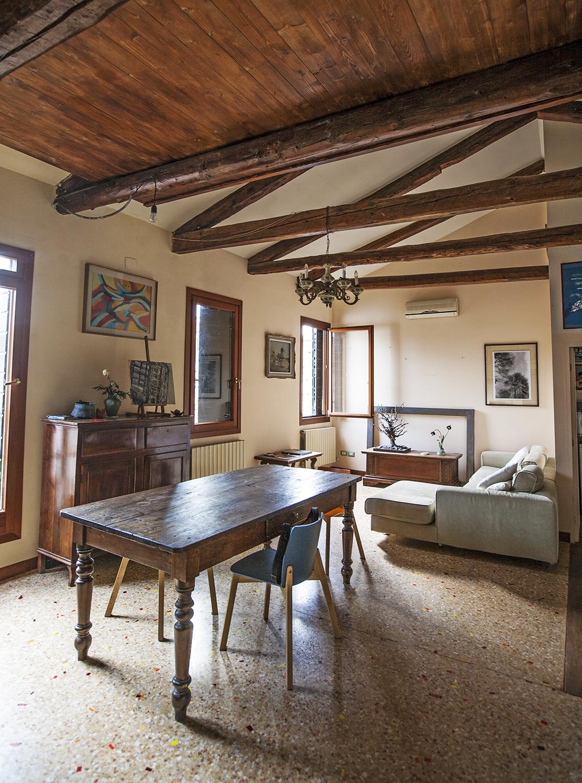 Artist-loft-airbnb-venice-italy