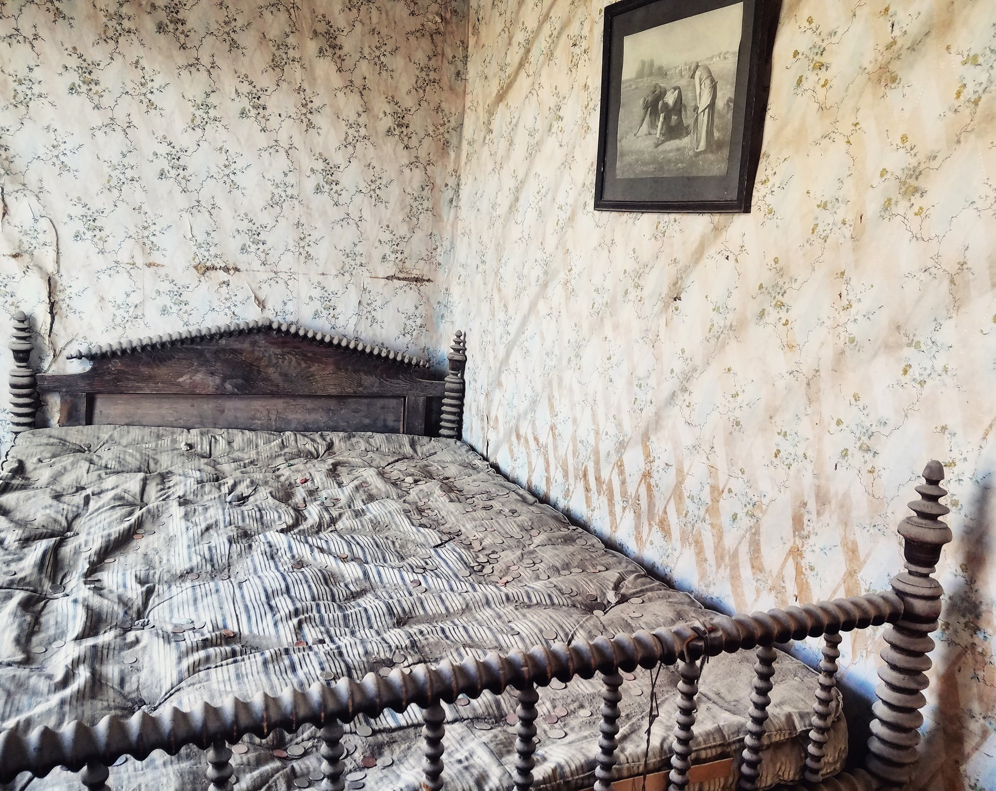 Bodie-ghost-town-bed