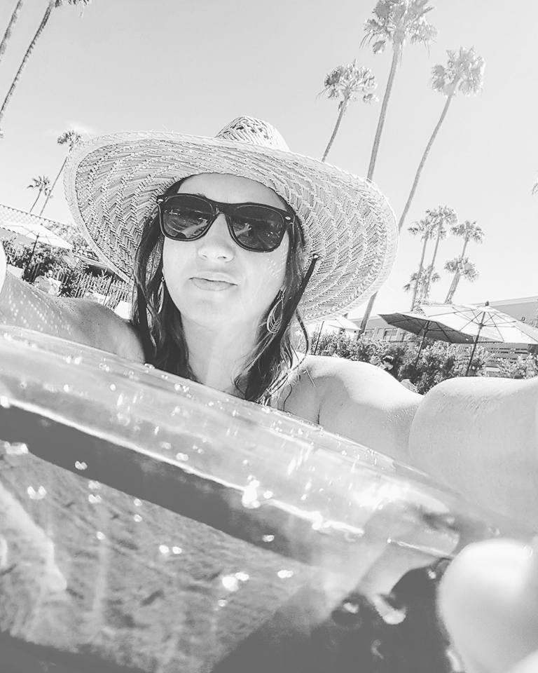 Goodland-hotel-goleta-selfie