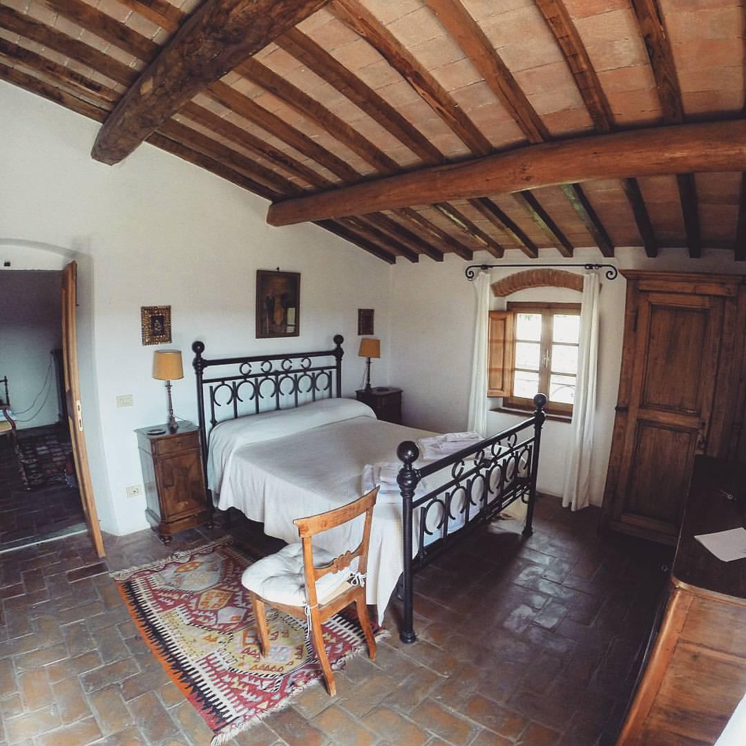 Castello-di-bibbione-bedroom