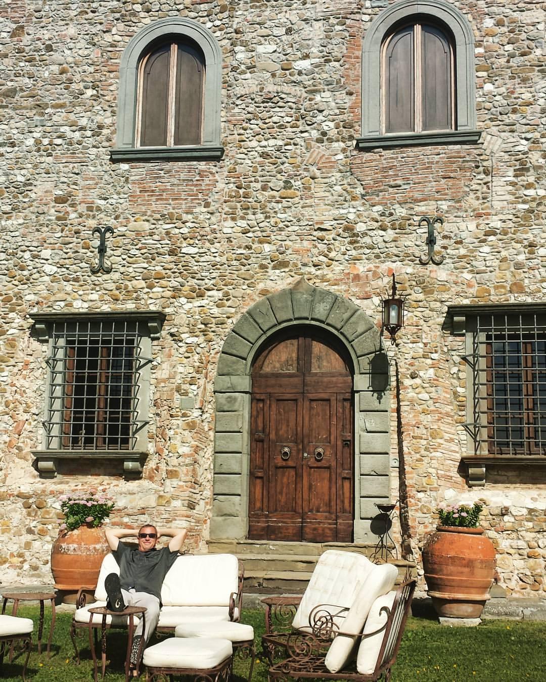 Castello-di-bibbione-tuscany-mik
