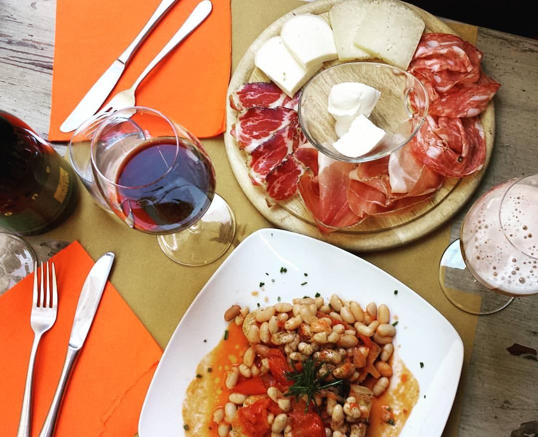 Montalcino-pizza-italy