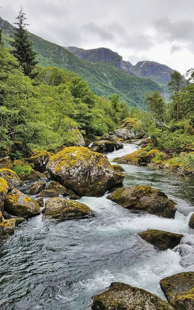Bondhusvatnet-river