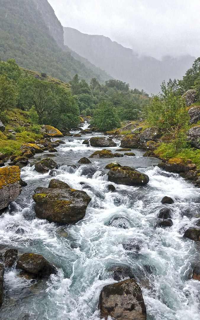 River-bondhusvatnet