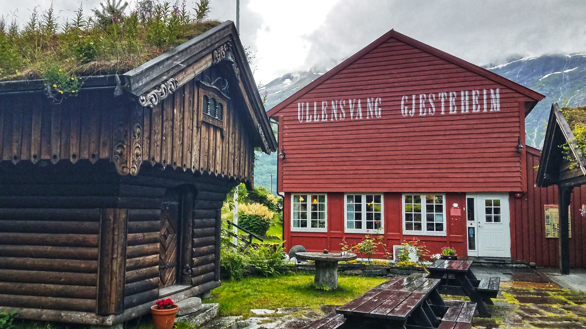 Ullensvang Gjesteheim – Lofthus Guesthouse