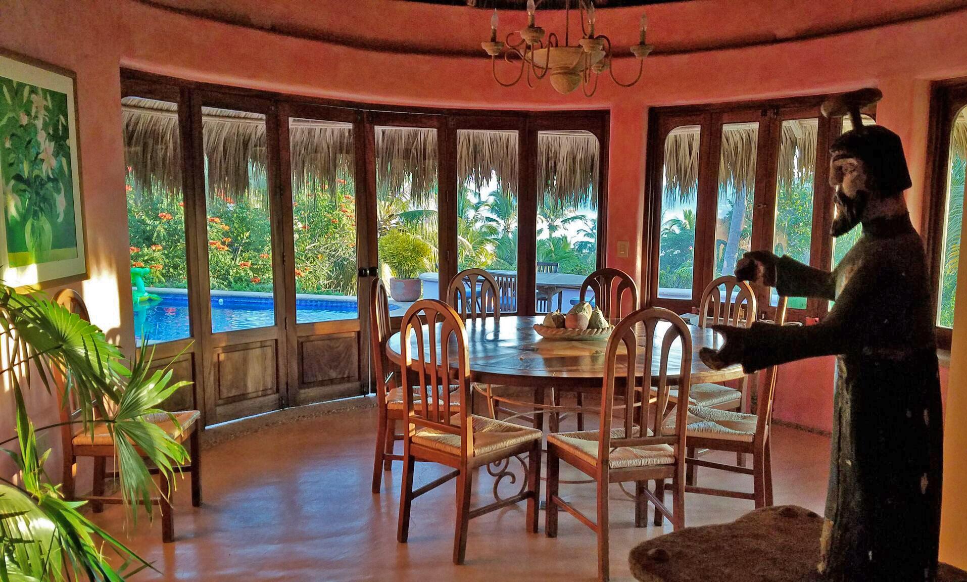Villa-mariposa-sayulita-dining