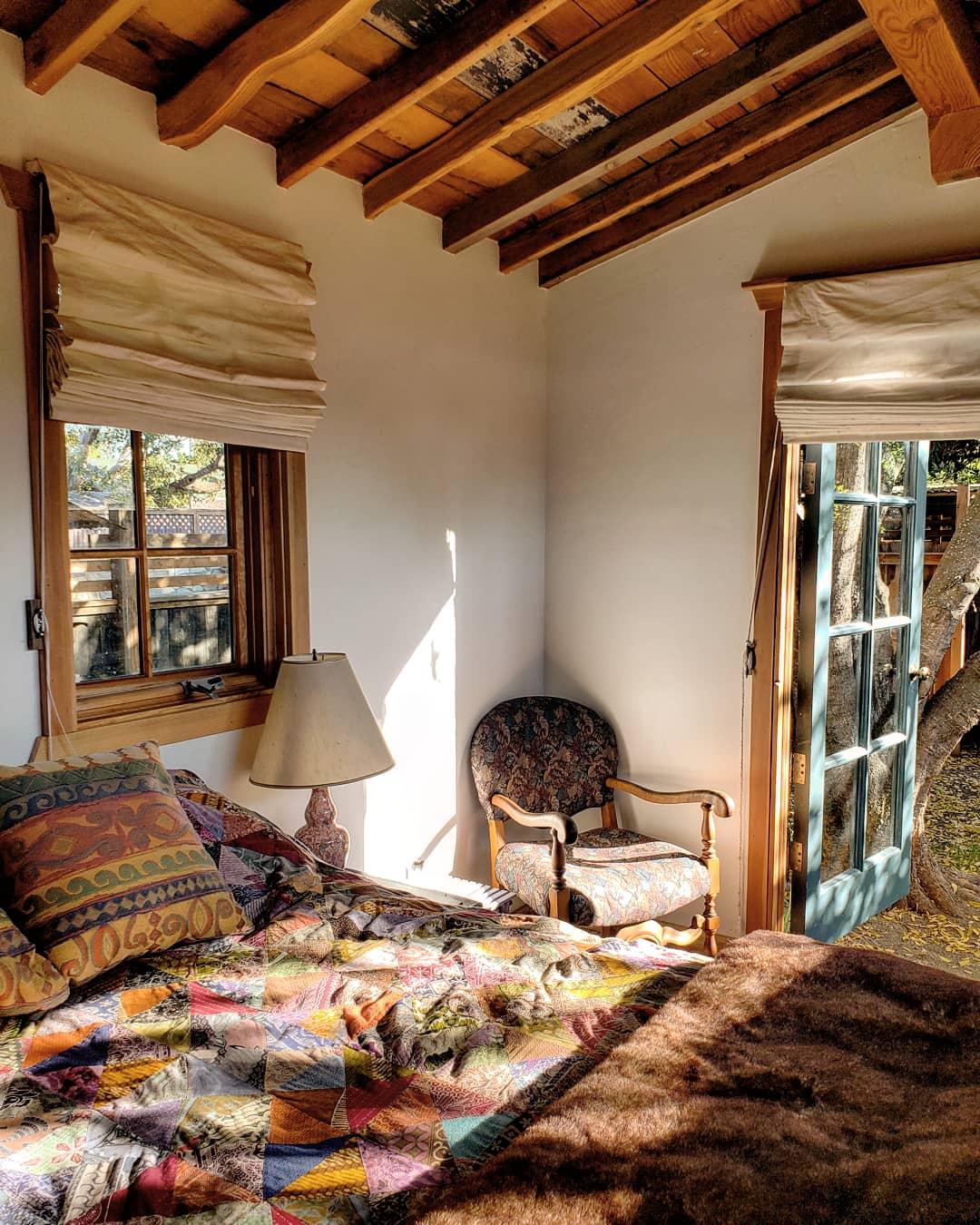 Los-alamos-hipcamp-bedroom
