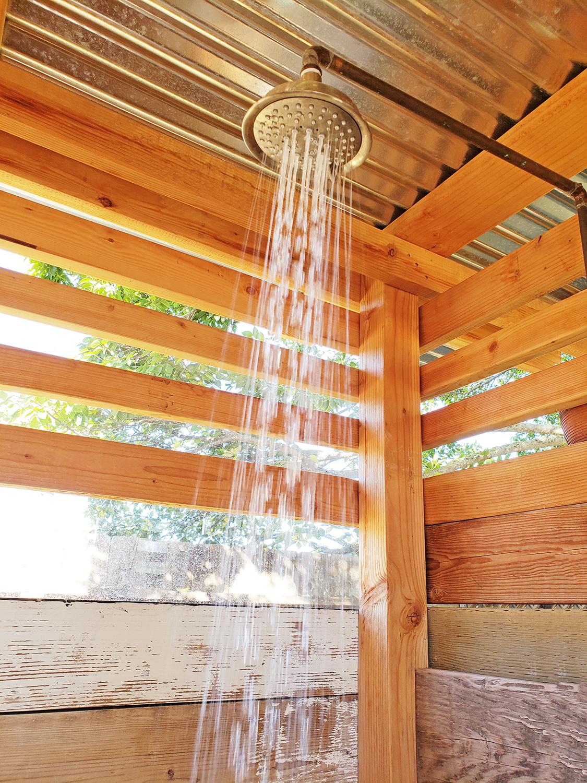 Los-alamos-hipcamp-shower